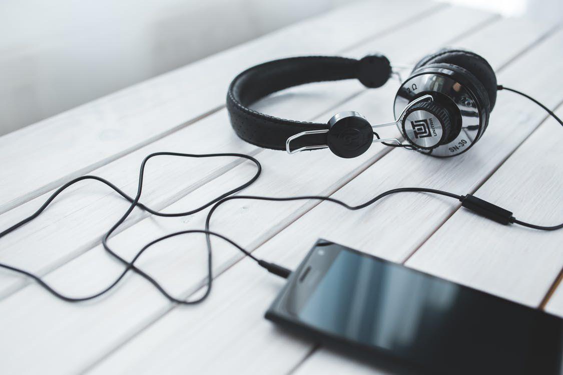 experimente ouvir novos sons