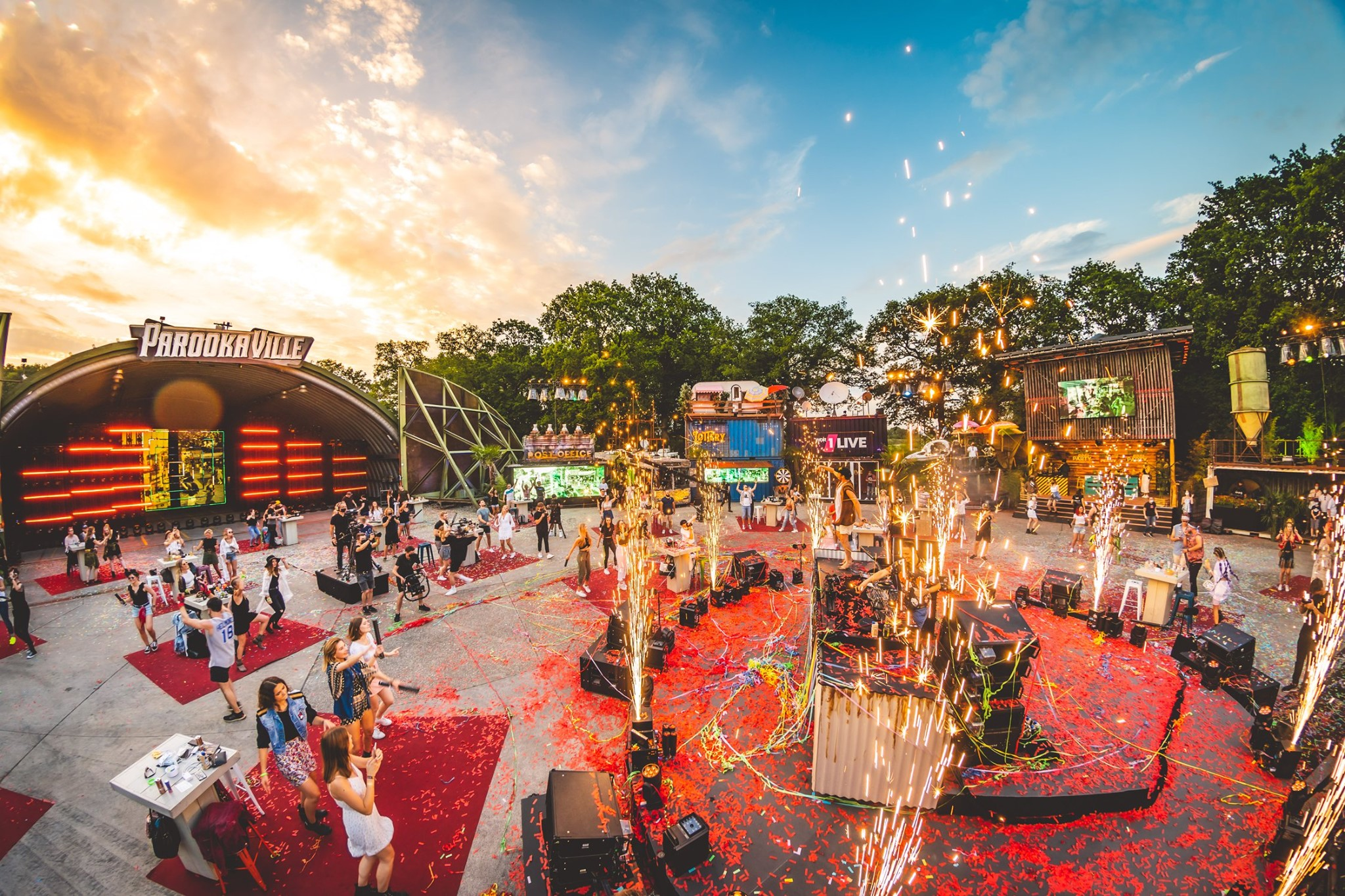 PAROOKAVILLE – LIVE from the City 1