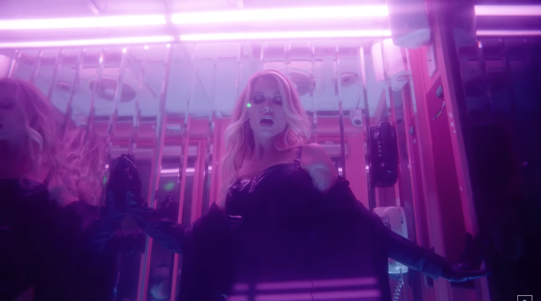 Anabel Englund e MK lançam videoclipe para a viciante track Underwater