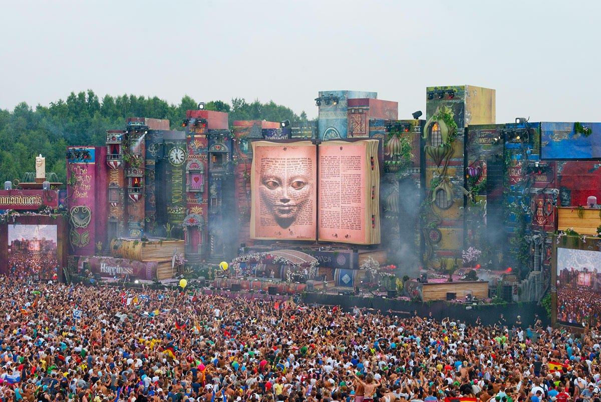 Toda-a-emoção-e-magia-do-Tomorrowland-transmitidas-em-aftermovies