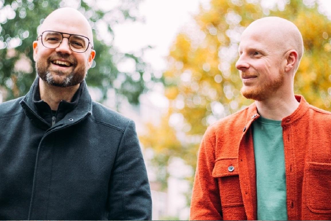 Saindo da Curva saiba mais sobre o duo Tinlicker e conheça o seu som 1